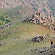 Bolovani de granit pe culmea Pricopanului - Munti Macin