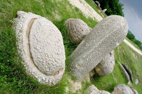 Forme ciudate - Trovantii de la Costesti, Judetul Valcea