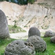 Trovantii si exploatarea de nisip, Costesti, Judetul Valcea