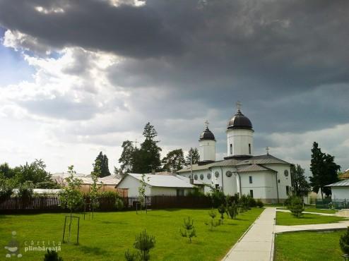 Bicicleta- soc - maci si natura la Manastirea Tiganesti_01