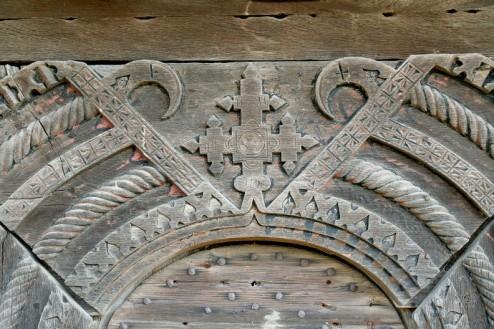 Biserica de lemn din Bradet - dantelarie in lemn