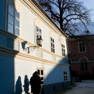 Langa biserica Neagra - Brasov, Oras de poveste
