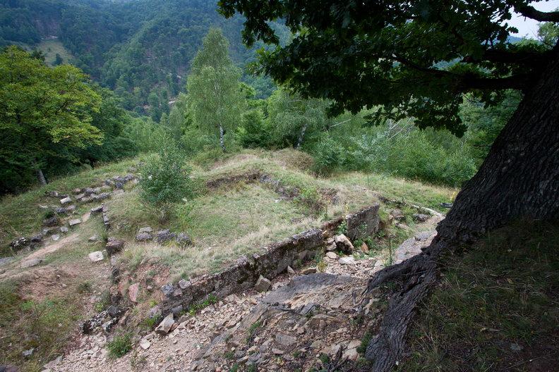Cetatea dacica de la Capalna  - turnul locuinta