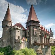 Castelul-Corvinilor---Castelul-Huniazilor---Hunedoara_thumb
