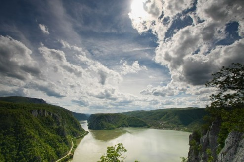 Cazanele Mari si Golful Dubova vazute de pe Ciucarul Mic
