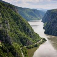 Cazanele Dunarii - Cazanele Mari vazute din Ciucarul Mic