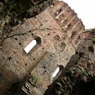 Arcade si pereti ai bisericii neterminate - Cetatea din Slimnic - Stolzenburg