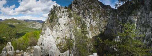 Loc de belvedere --- Cheile Tasnei-Valea Cernei, Muntii Mehedinti