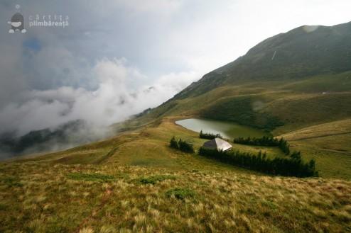 Lacul Vulturilor si Cabana de Vanatoare 1460m altitudine