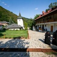 Manastirea Ramet si Cheile Rametului_Cartitaplimbareata_019
