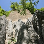 Piramidele de pamant de pe Valea Stancioiului Ramnicu-Valcea