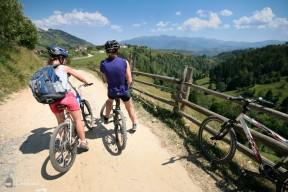 Plimbare cu bicicleta - Sat Pestera - Fantana lui Botorog - Culoarul Rucar-Bran_01