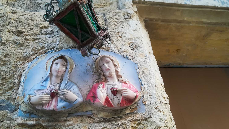 Ceramica pe zid in Floriana
