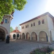 prin_Dobrogea_Calarasi_Ostrov_Dervent_intrare_in_manastire_004